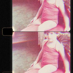 Little girl red swinsuit